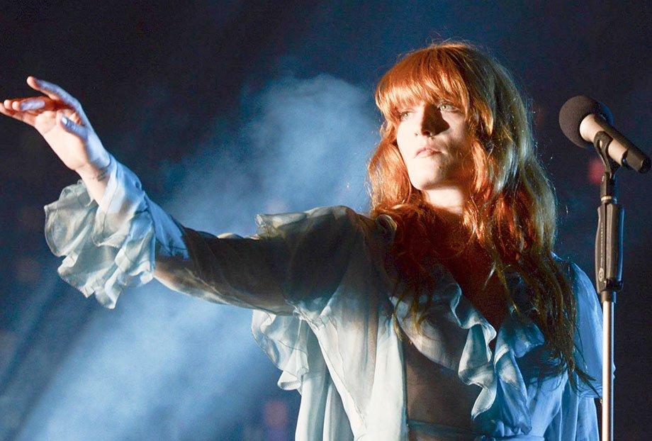 Florence + The Machine fez um show MARAVILHOSO ontem no @LollapaloozaBr ! Confira: https://t.co/ZRPT9OjVwx https://t.co/xexZPOQhCd
