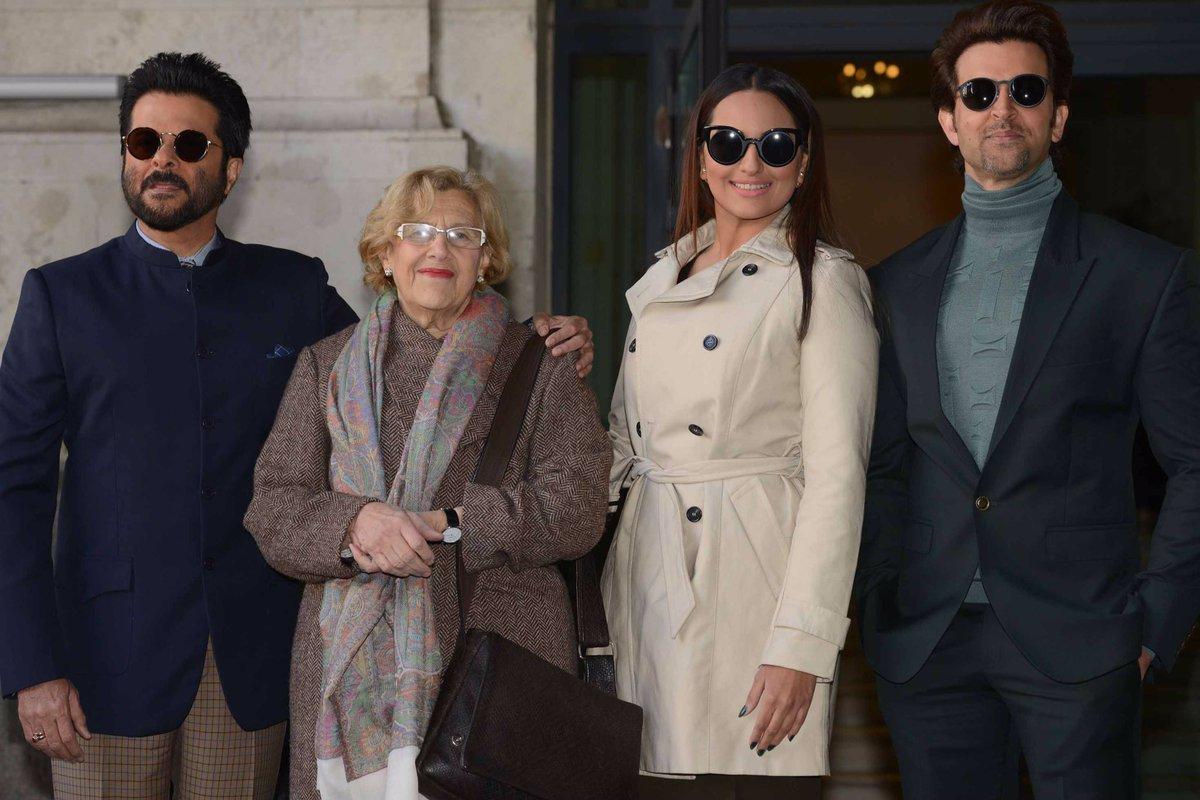 Las estrellas de #Bollywood @iHrithik, @sonakshisinha y @AnilKapoor llegan a Madrid @IIFA #IIFA2016 https://t.co/8mnR4DTy7Y