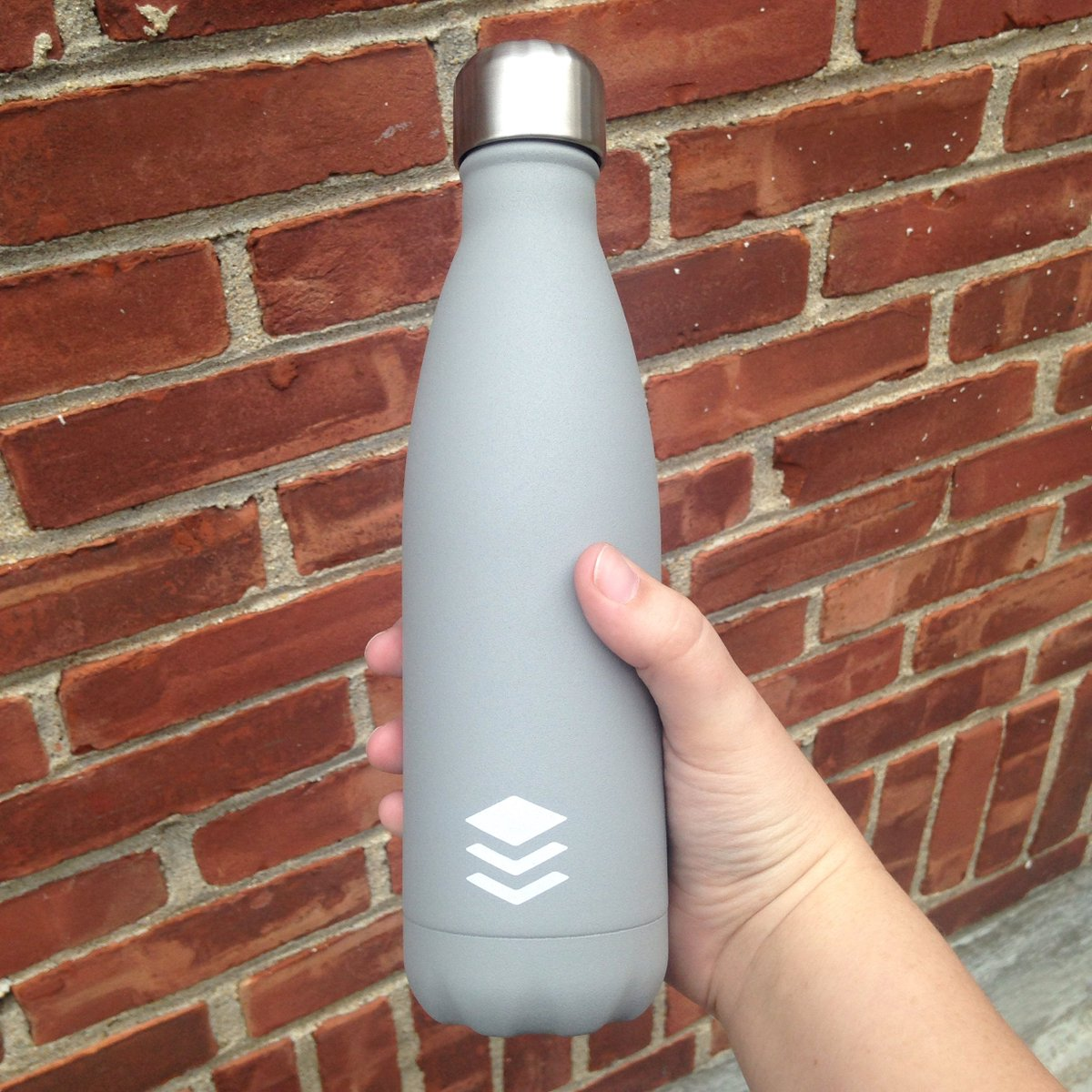 In celebration of 500K followers on Twitter, we're giving away a Buffer Water Bottle! Retweet this to enter!