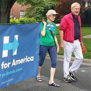 .@hardball_chris lobs softballs to HRC, as her donors fund his wife's campaign. Just say no to .@MSNBC #DemTownHall https://t.co/2iNiH5vS3i