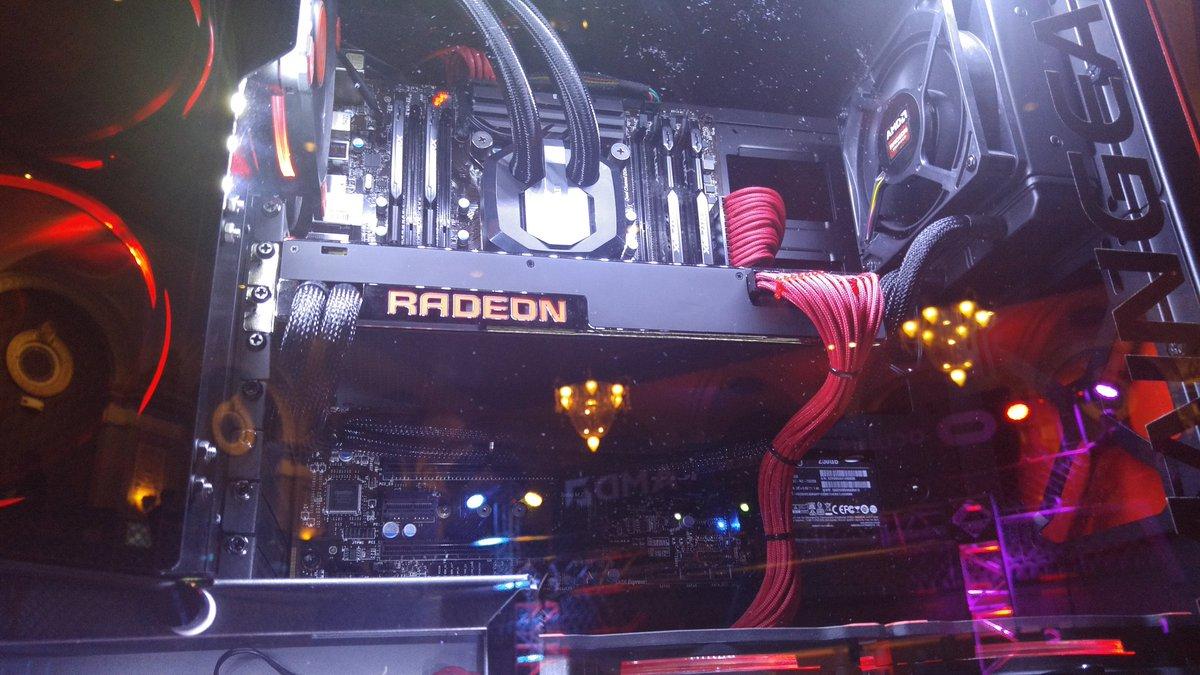 The @AMD Radeon Pro Duo is freaking beautiful in person #AMDCapsaicin https://t.co/OSddrt3gtk