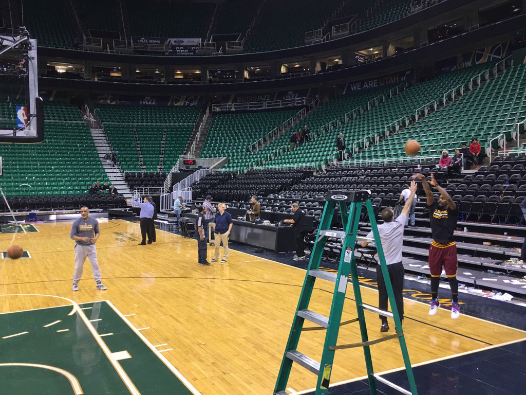 Kylie Irving is still on the court shooting jumpers nearly 30 mins after the game. https://t.co/8wKyCIoypU