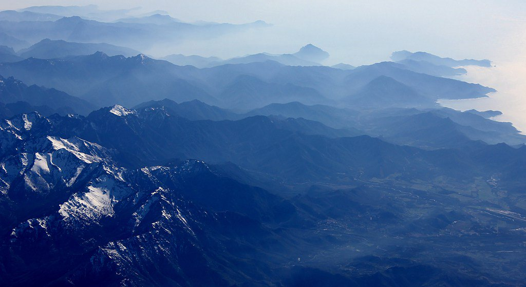 An aerial shot of the Corsican mountains, France (OC) [1024×683] https://t.co/UI3fPNw2Z1 https://t.co/ucb5G7Lq79 https://t.co/SbccZJu7oq