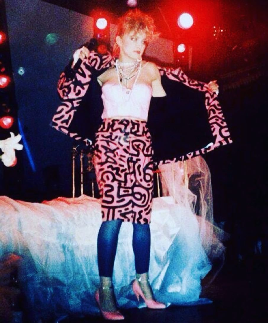 Lucky Me.....i got to sing Like a Virgin in this dope Ass outfit designed by Keith Haring... https://t.co/PYgmaYoTRU https://t.co/WOV1Sho4YN