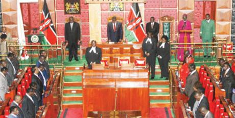 When E Sir died,the Kenyan Parliament stood & observed a moment of silence in his honour. #RememberESir https://t.co/6q0yGZM08m