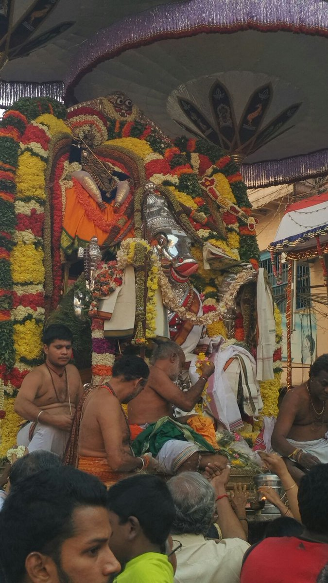 Adhigara Nandhi at Mylapore Kapaleeswarar Temple Brahmotsavam: Panguni festival https://t.co/Sg11nIOamS