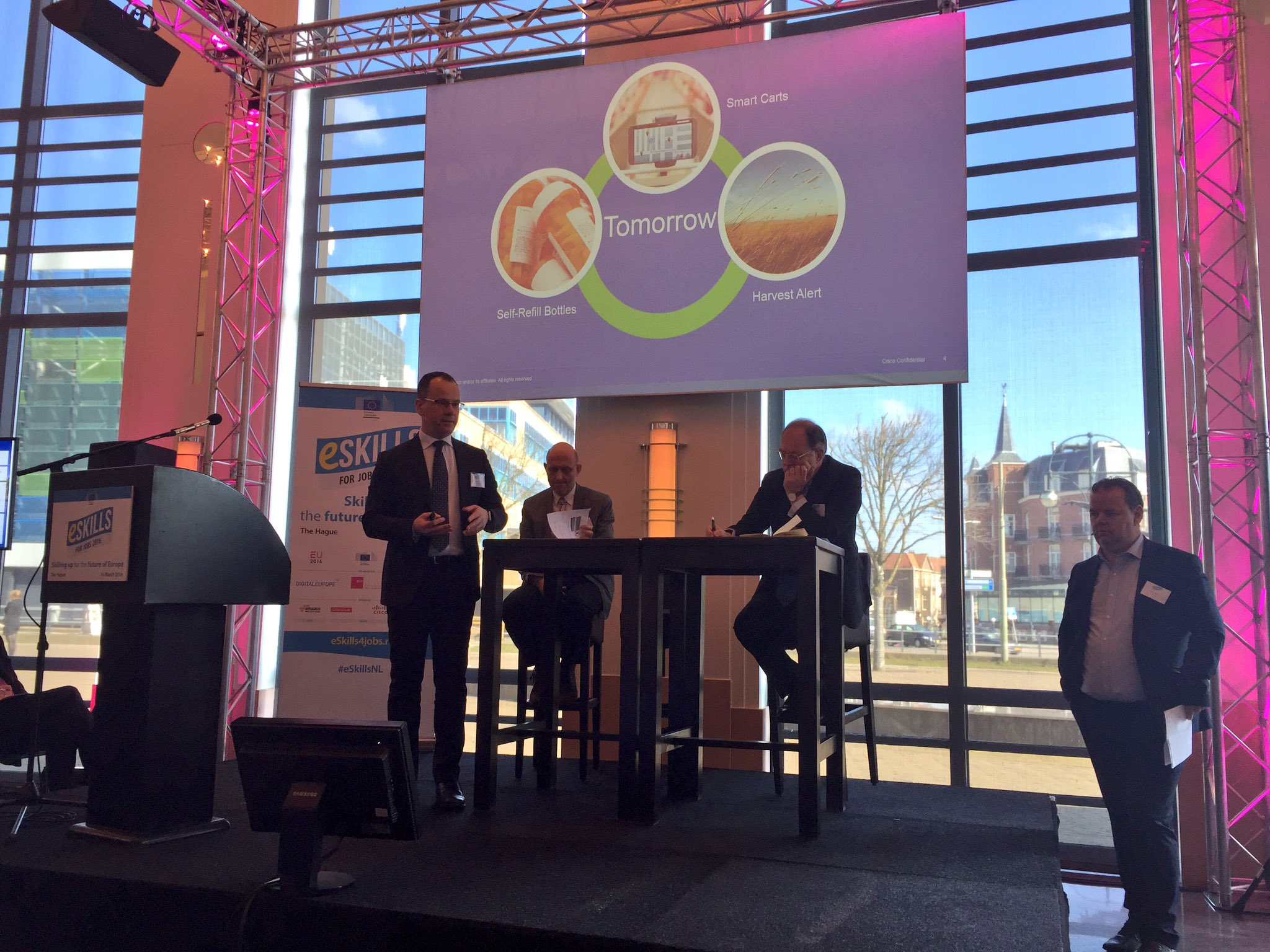 """Public & private partnership #PPP across sectors come together to enable #digitisation of #EU"" @ppluta #eSkillsNL https://t.co/8DE0PJqKaT"