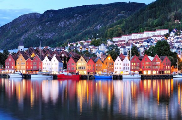 RT @airfarewatchdog: Visiting London? Add Norway to your itinerary!