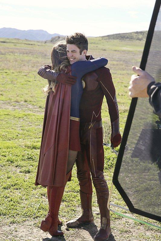 #Supergirl 1.18 Images With #TheFlash https://t.co/vclCNm9mRt @MelissaBenoist @grantgust #SupergirlXTheFlash https://t.co/KNRpfjvXrK
