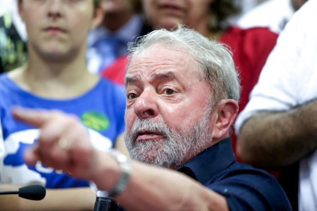 Lula dispara contra imprensa, Moro e STF em conversa com Dilma; ouça: https://t.co/pQrmL4BY5O https://t.co/YdQpqYHjYc