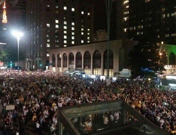 20 mil pessoas na Avenida Paulista, segundo a PM. Ainda há gente chegando. Acompanhe; https://t.co/9U8C7JdJDM https://t.co/lhhn2SCc1k