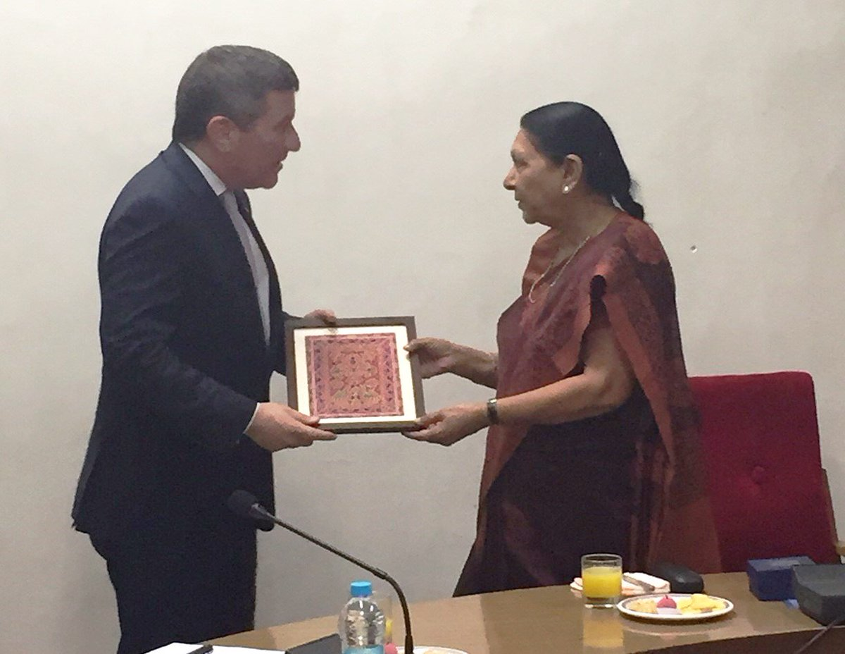 .@AmbRivkin & Gujarat CM @anandibenpatel discussed leveraging clean energy in India & strengthening #USIndiaTrade https://t.co/XaPVoQGDJF