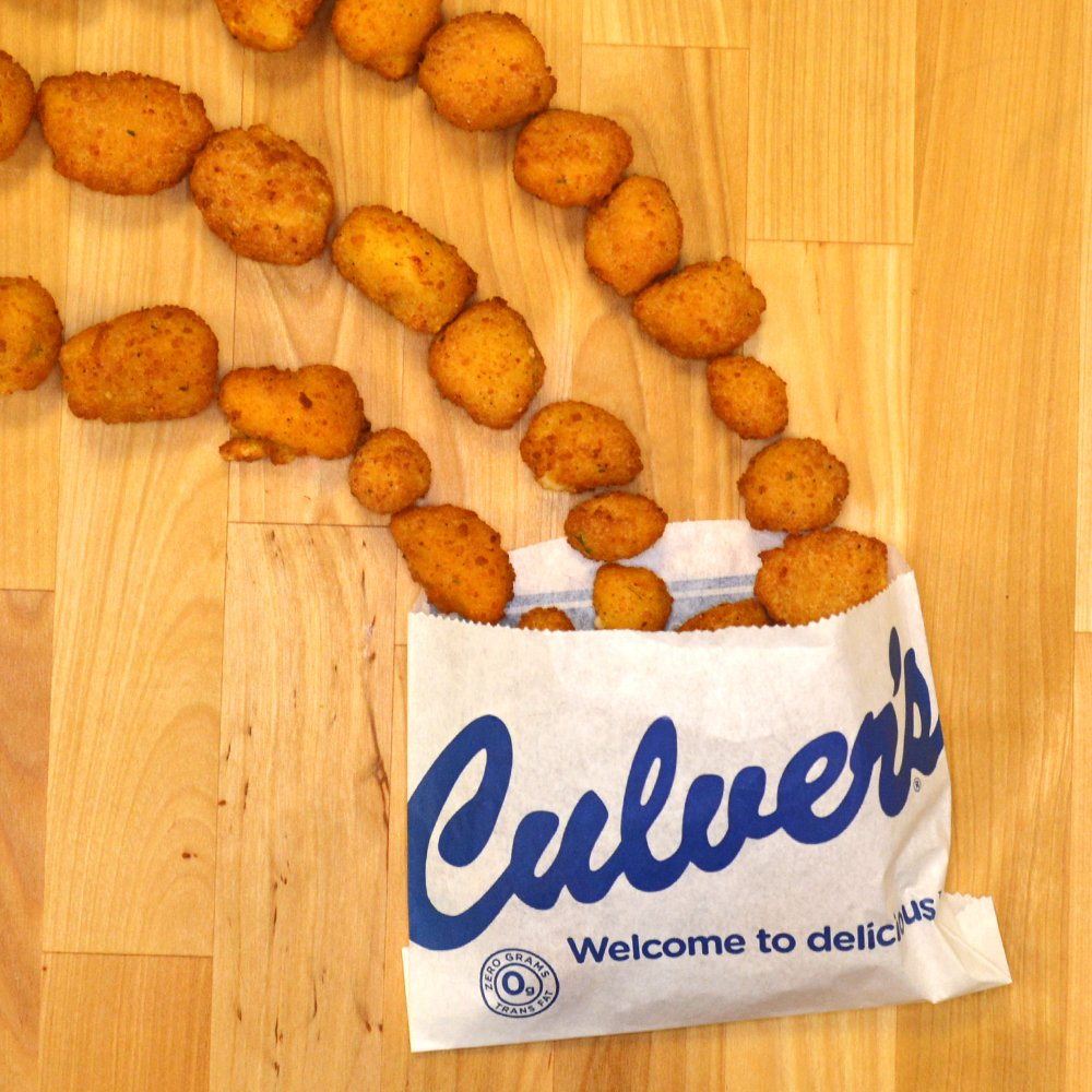 Did you know the pot o'gold at the end of the rainbow is really filled with Wisconsin Cheese Curds? #StPatricksDay https://t.co/f77kBszITU