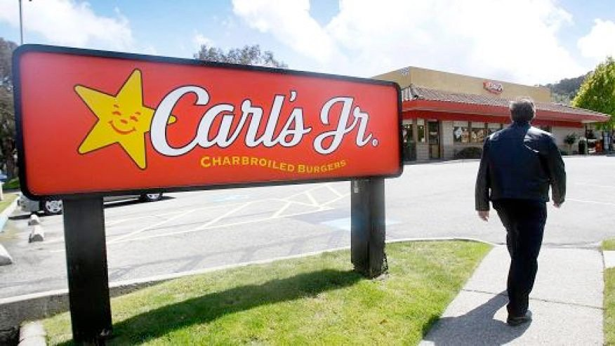 It's come to this. Carl's Jr CEO wants bots to replace human workers due to min.wage. | https://t.co/Ej3bPhP6Pl https://t.co/wQxpwz4fe5
