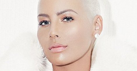 "Amber Rose ""frees the nipple"" after defending Kim K's nude pic (via @toofab)"