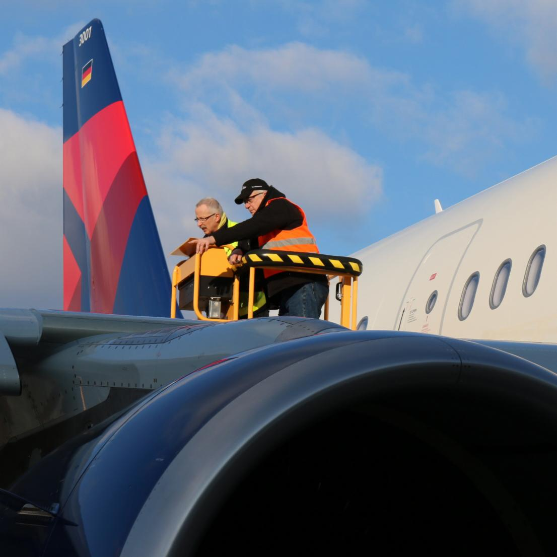Meet the team of @Delta delivery experts who make sure the DeltaA321 is perfect