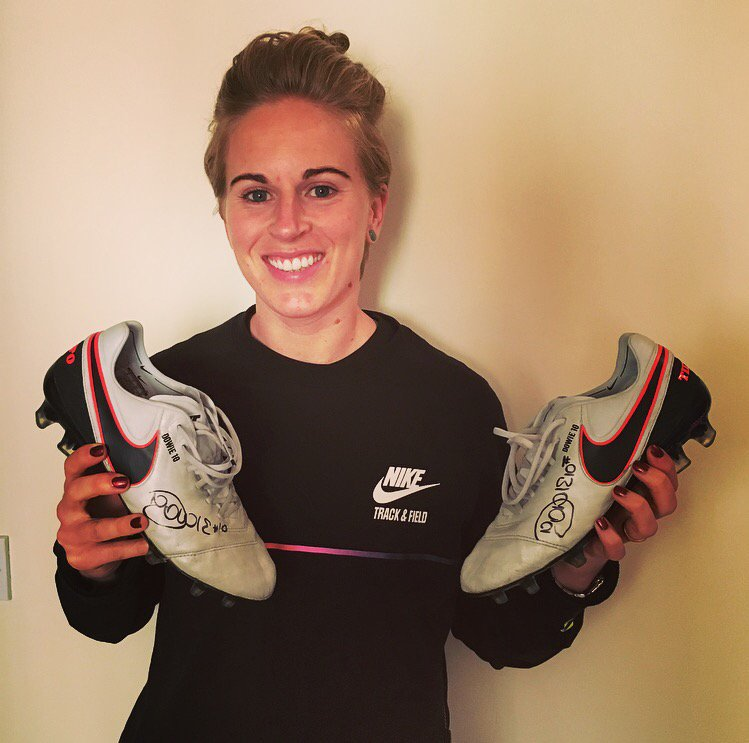 COMPETITION TIME! RT & follow @donnybelles when we hit 10,000 followers a winner of these boots will be chosen #10 https://t.co/LvLXQ2lDir