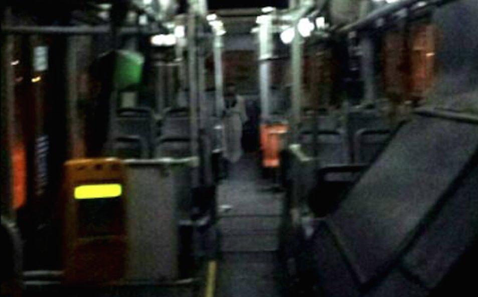 Sabíamos que en la madrugada el recorrido 210 llevaba gente muerta. Pero no literalmente