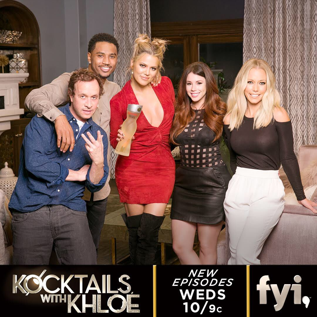 You guys ready for #KocktailsWithKhloe?? https://t.co/p6oPELAhrJ