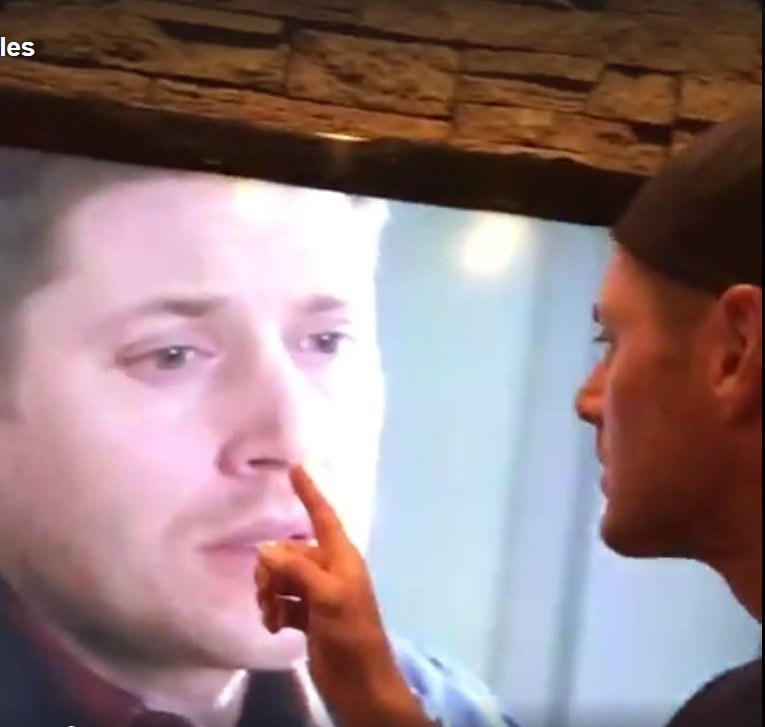 """Hey buddy it's okay"" aww @JensenAckles :-D #supernatural https://t.co/KU0gXHTW0r"