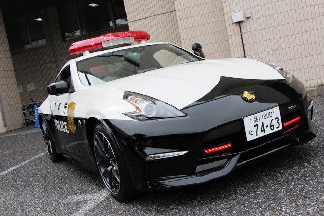 警視庁、パトカーに日産「フェアレディZ バージョンNISMO」を3台導入! https://t.co/Kbgws6ryCz https://t.co/tS4uAypQeb