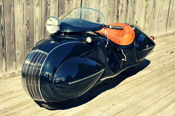 May not be practical for a bike trip to Alaska - but this 1930 Henderson is awesome! https://t.co/2a69YNZ0kM