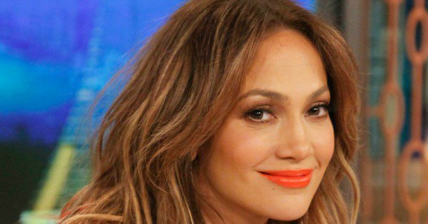 What?! Jennifer Lopez just used the word ''chunky'' to describe herself in a selfie pic: