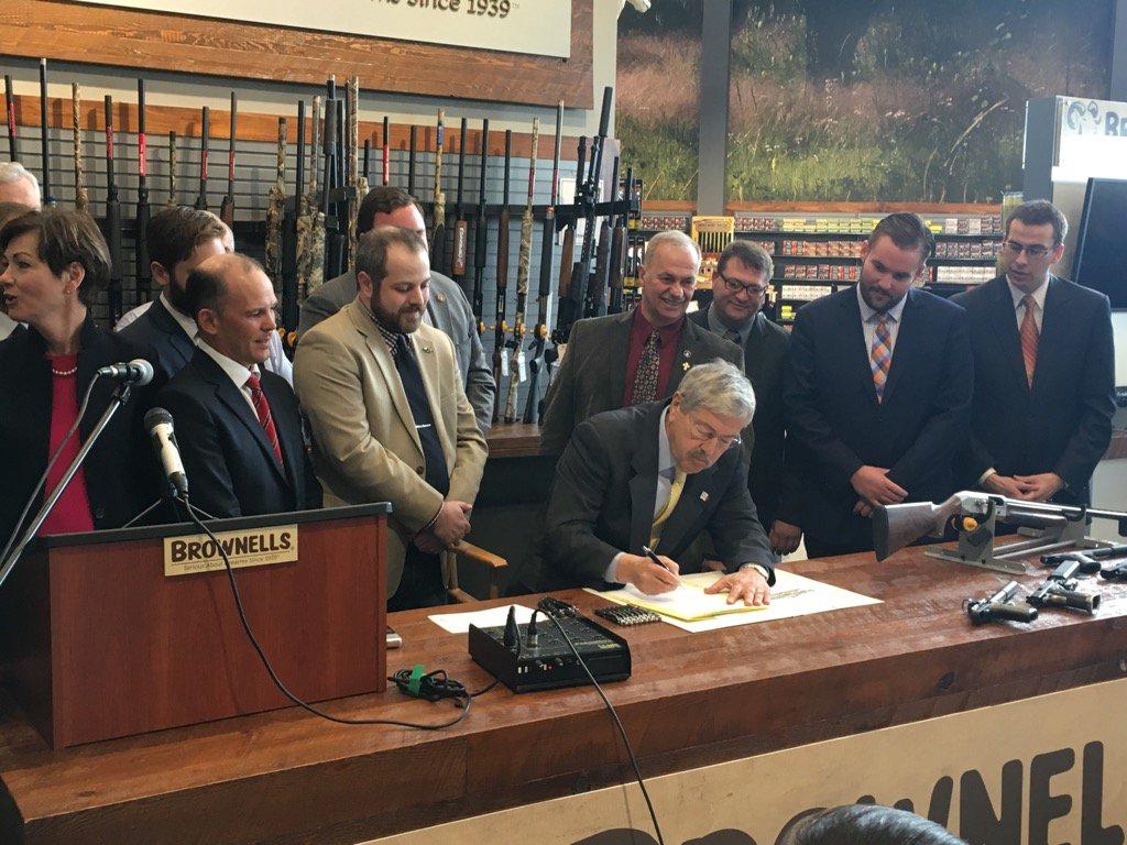 Gov. Branstad signing into law HF 2279--suppressor legislation.  Great day 4 2nd amdt. advocates!  #iagov  #ialegis https://t.co/500A2aDmob