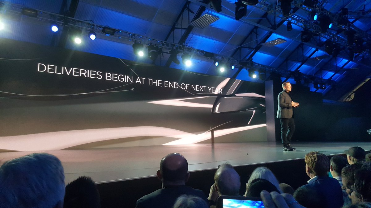 Musk is confident the #Model3 will ship by the end of next year. Price is $35, 000! https://t.co/vDiY6N7oIu