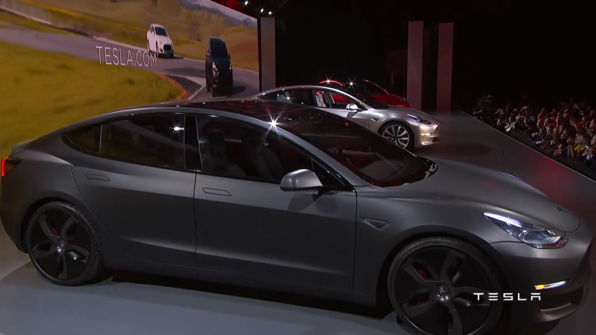 And there it is. #TeslaModel3 https://t.co/Ow3CLI08vE