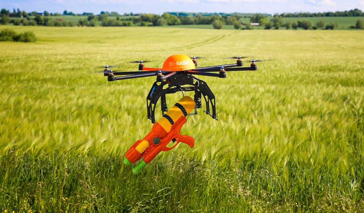 The BASF DIY Drone Aerial Application kit includes a Drone Drencher applicator for precise spray control. #Spray16 https://t.co/luxjPJhgjH