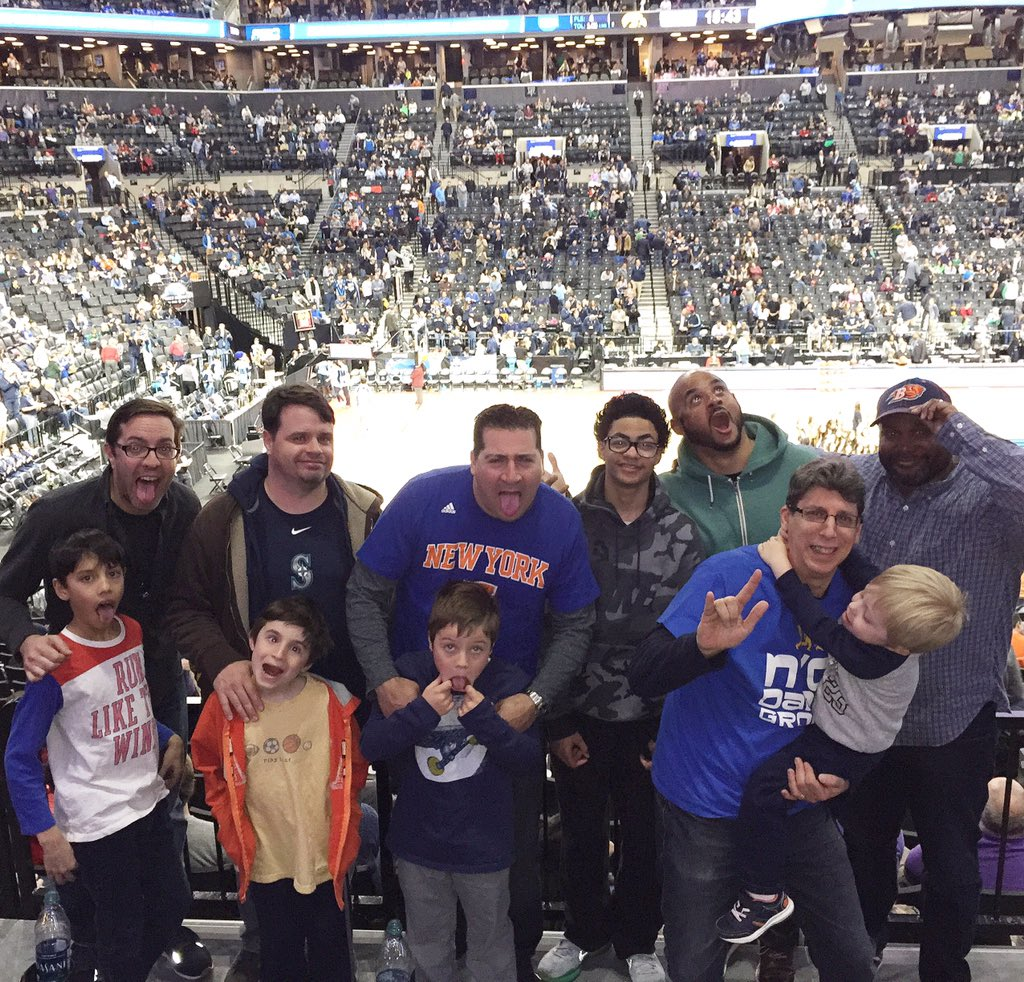#RealStrength is when Fathers takeover the @barclayscenter for #MarchMadness! @DoveMenCare #citydads #hosted https://t.co/qzmph22K7u