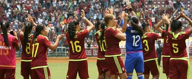 ¡Orgullo #Vinotinto! Venezuela vence a Brasil y logra el bicampeonato femenino sub-17 ¡Felicitaciones! #Sub17Fem https://t.co/QDEtkUfl7l