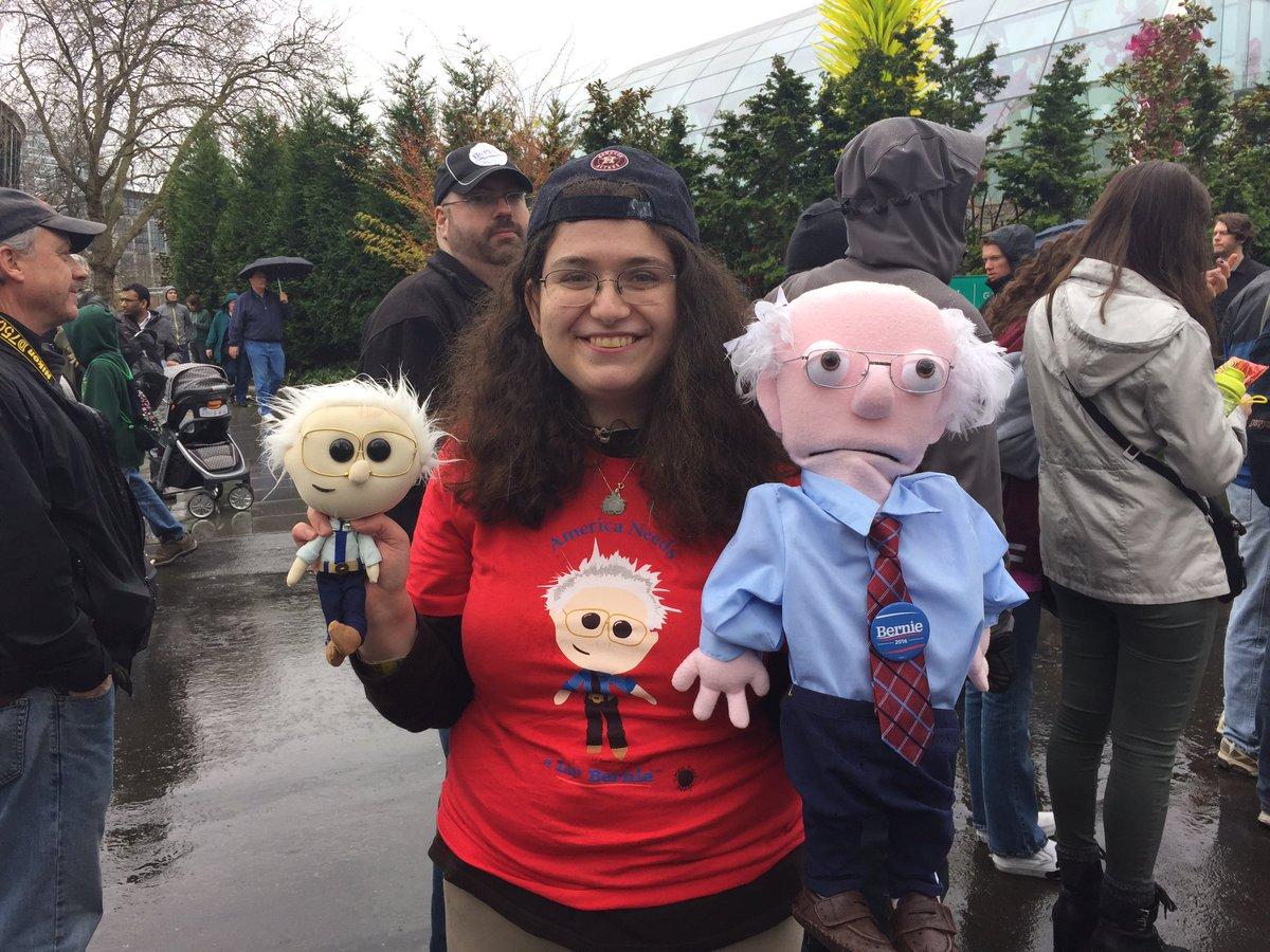 Leslie Zukor, of Mercer Island, says @BernieSanders won her over with stand against Big Pharma #BernieinSeattle https://t.co/mDgIVqrWiZ