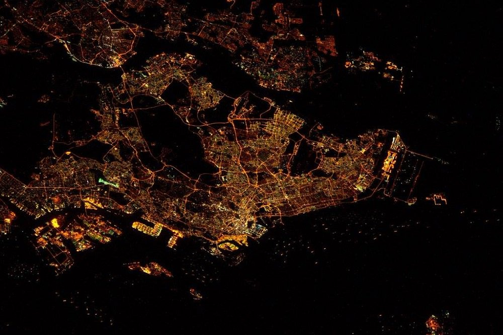 Singapore looks amazing from space https://t.co/sfHXLG7FrN https://t.co/dLS9ytMYtk