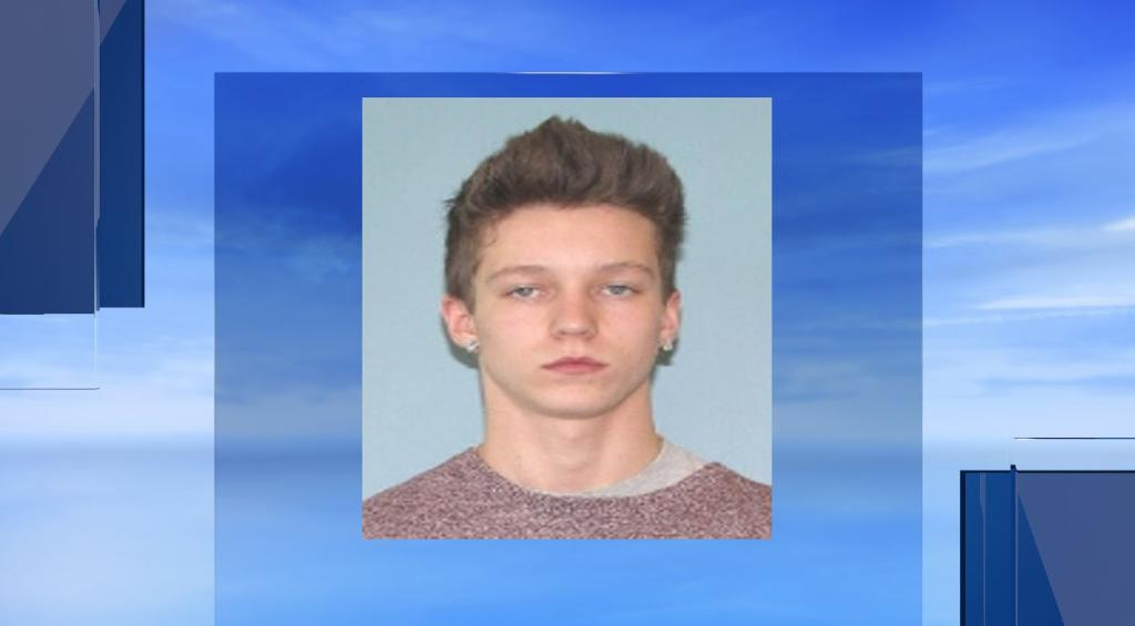 Man allegedly bites chunk of father's ear off in Carrollton #LiveOnNews9 STORY:  https://t.co/ucvNVL8Krh https://t.co/foc2pv2zOI