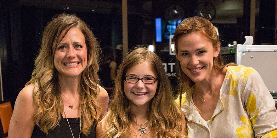 How real-life Texas mom from @MiraclesHeaven bonded on set with Jennifer Garner