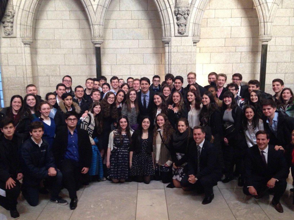 A #Generation2016 checklist: Go to Ottawa, check. See Parliament, check. Meet Prime Minister @JustinTrudeau…check! https://t.co/iUiCTuxZ24