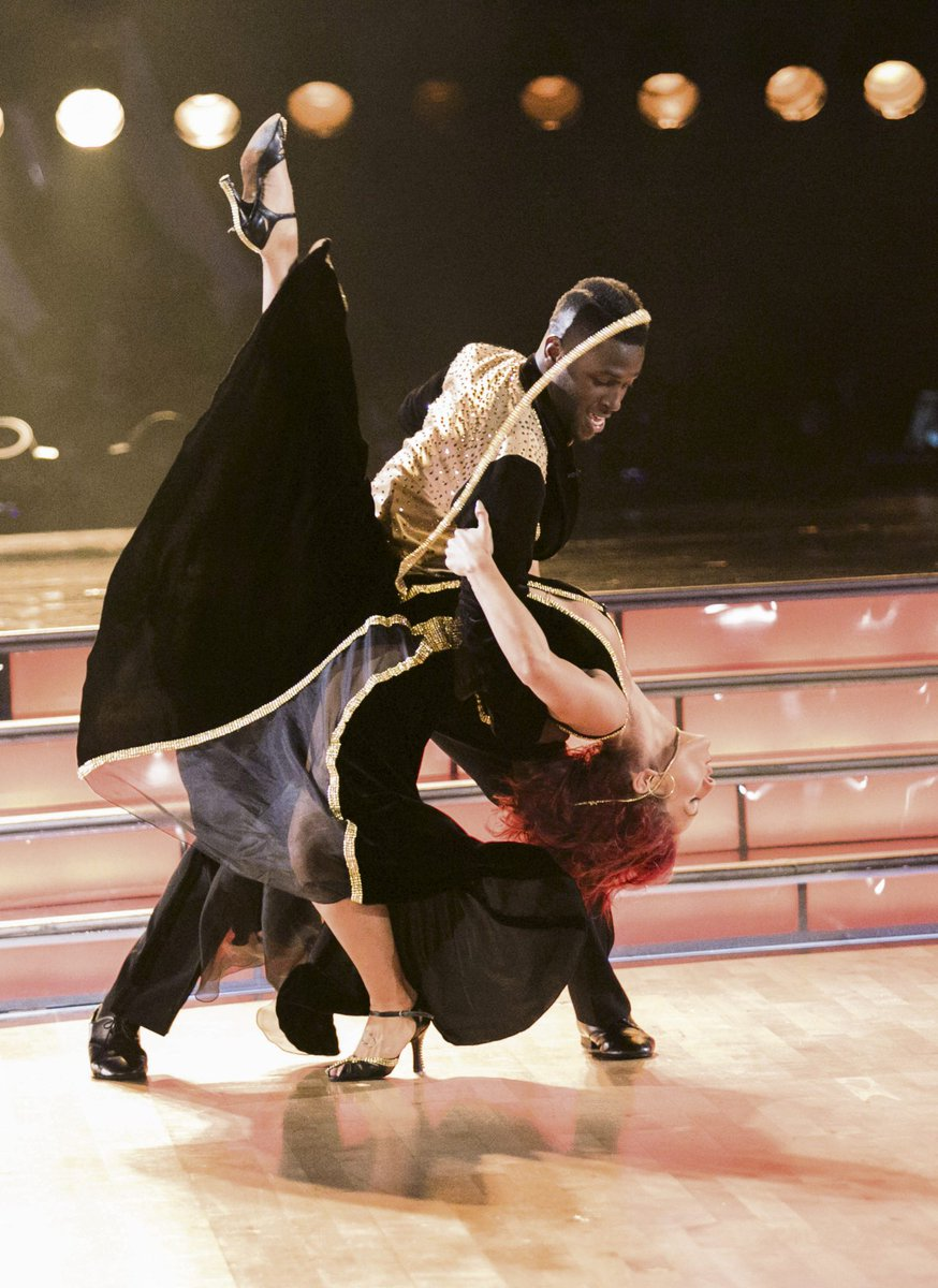 To see a photo gallery of @AntonioBrown84 competing in #DWTS Episode 1, visit https://t.co/gOqPd5CHKK https://t.co/TiqnF06O4e