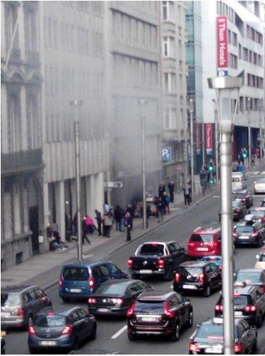 Explosión metro Maalbeek (@massart_serge) Bruxelles https://t.co/I55Gk7PK9E