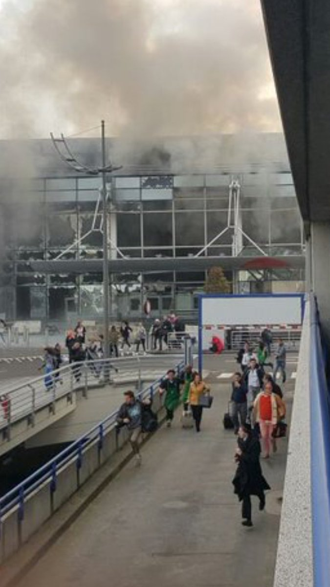 PHOTO - Panic after huge explosion Zaventem Airport Brussels #breaking https://t.co/pj9pit3trh