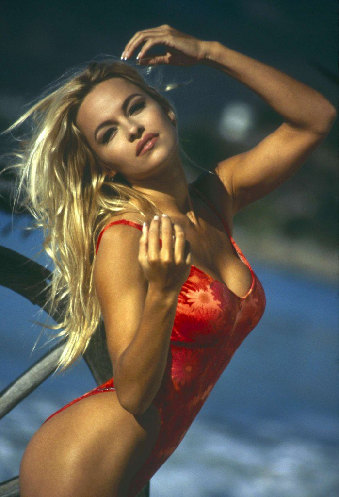RT @Missguided: Reasons we love Pamela Anderson... 1. She kicks serious ass in a swimsuit ???????? #PAMELAxMISSGUIDED https://t.co/jAFm4WYcZB