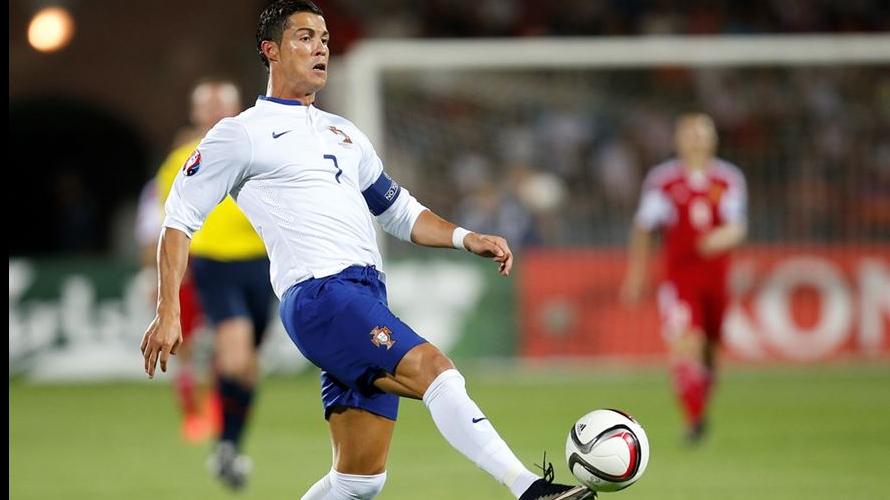 Jogo de futebol Bélgica-Portugal em suspenso https://t.co/gj2Z4p7eQF https://t.co/cuqZApqNGE