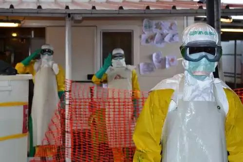 Guinea is monitoring 800 people potentially infected with Ebola