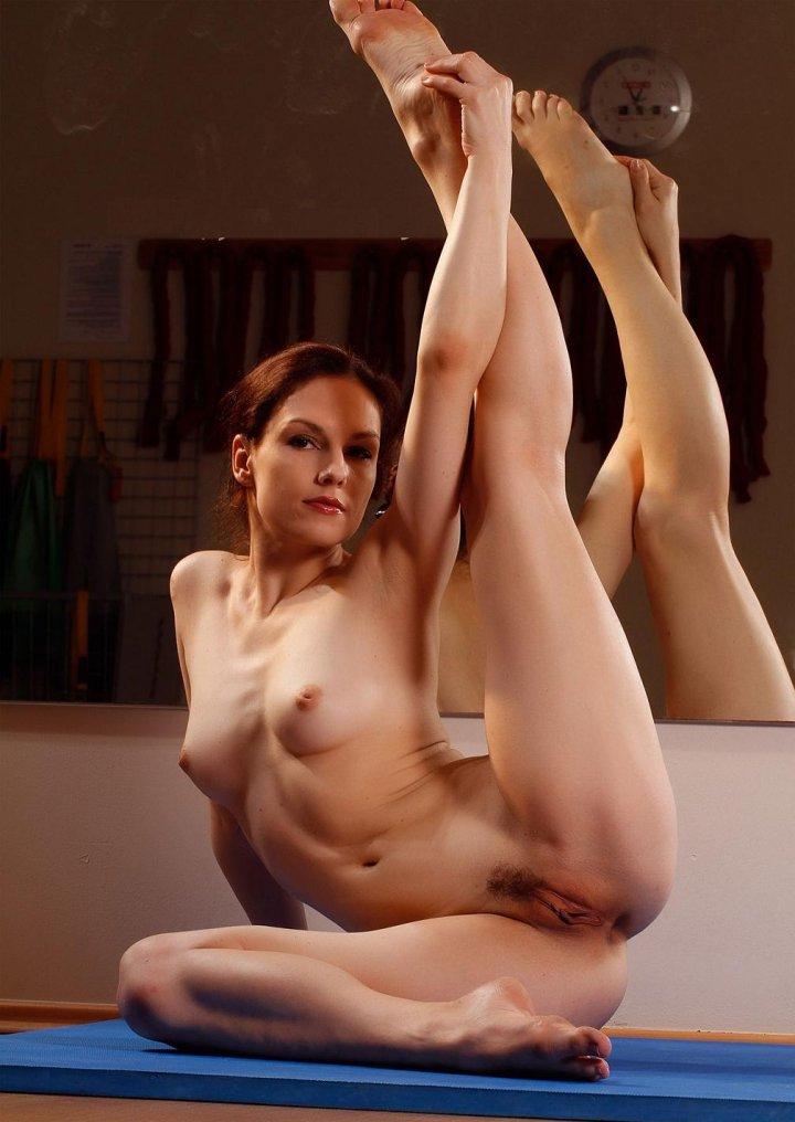 фото акробатки голые