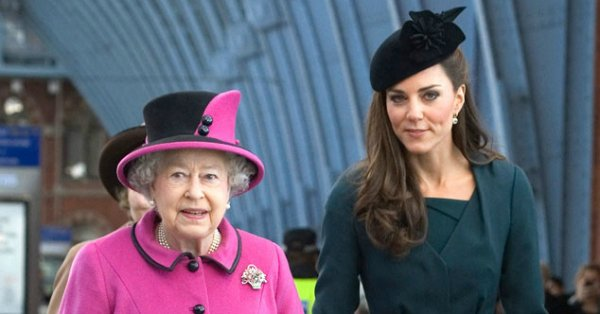 Kate Middleton's first Christmas gift for Queen Elizabeth was simple but sweet: