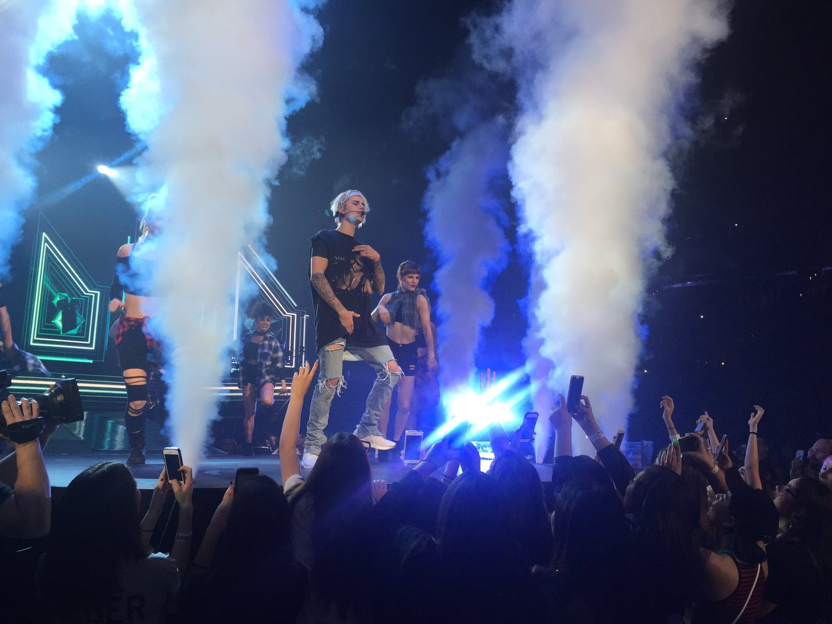 So much fun @justinbieber show last night. What an entertainer. Now I am a #Belieber #PurposeTourLosAngeles https://t.co/ThuDWwnHXx