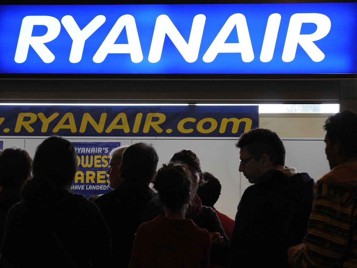 Classy... Ryanair charges tourists in #Brussels £214 each to get home https://t.co/bfw8YhEWIY https://t.co/DdVt2LRm69