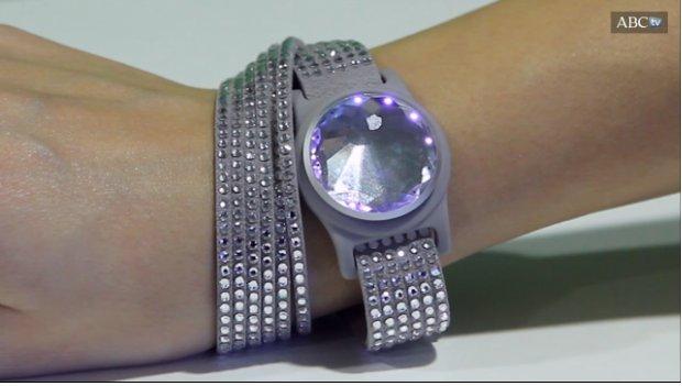 #Hoyhablamosde tecnología con@aisabelms: Swarovski une moda y tecnología en su colección Activity Tracking Jewelry https://t.co/qptAAbQWEF