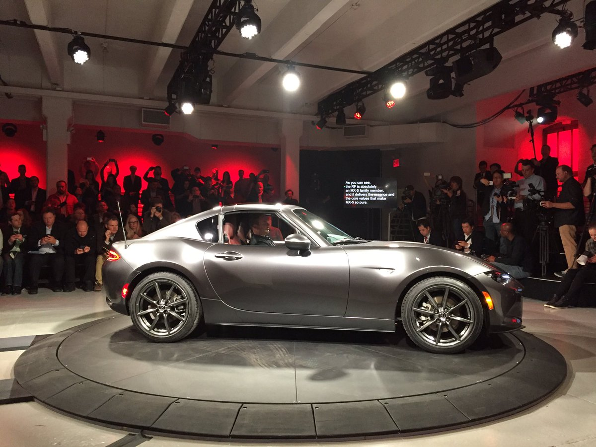 The new Mazda MX-5 RF has been revealed in New York. Full story: https://t.co/oPuD8hCFXN #NYIAS2016 https://t.co/BJ6ct1AaAT